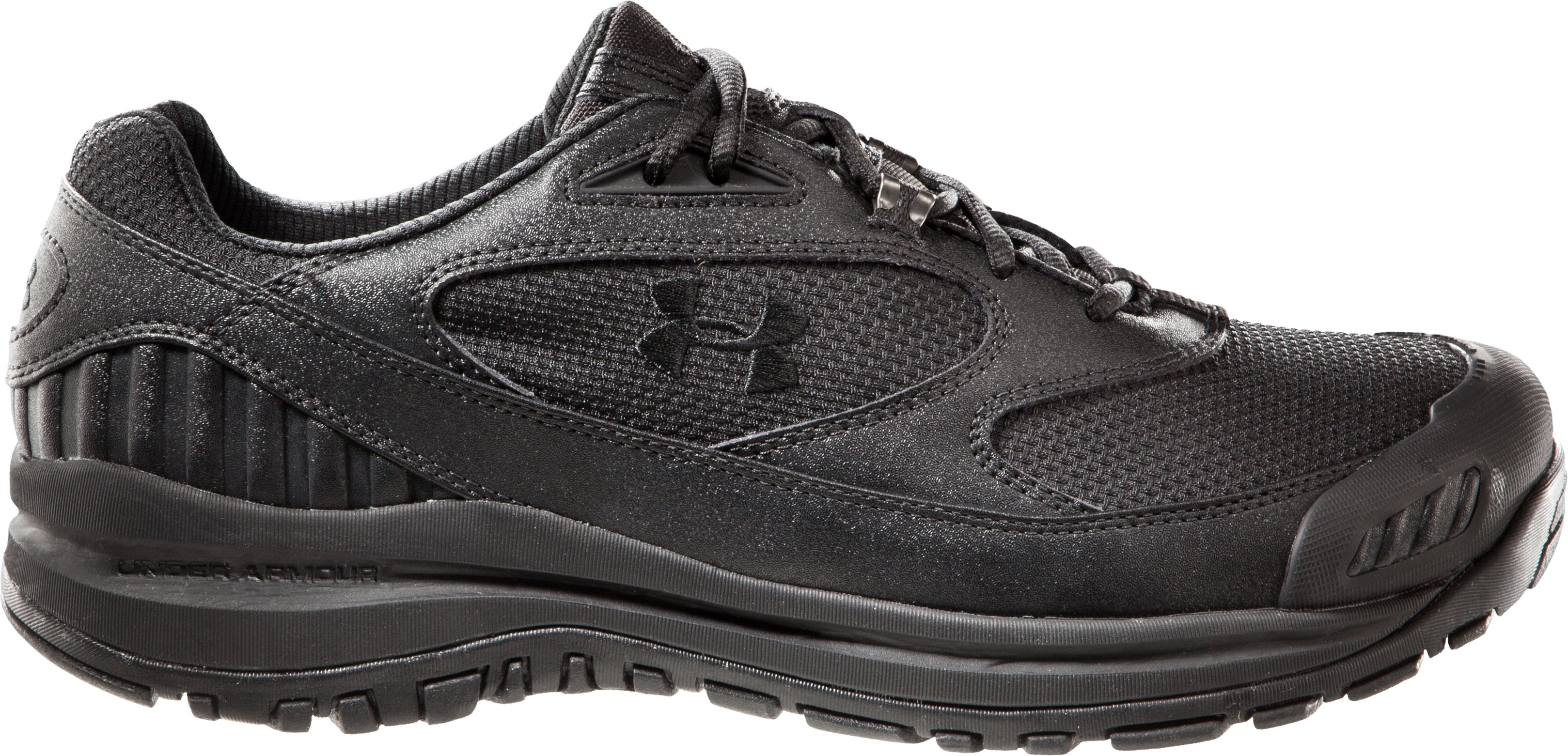 Men's UA Valsetz Low, Black , zoomed image