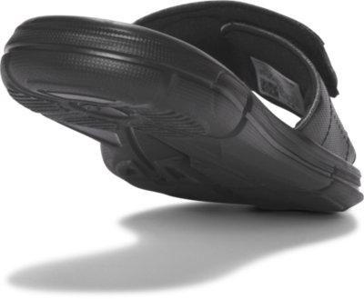 Black 001 //White 6 Under Armour Boys Ignite V Slide Sandal