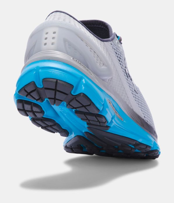 an analysis of the competitive environment of underarmour ua 0 2014 under armour case analysis ciro njinyaho external analysis due to the important of the external environment in a company's ability to compete, the.