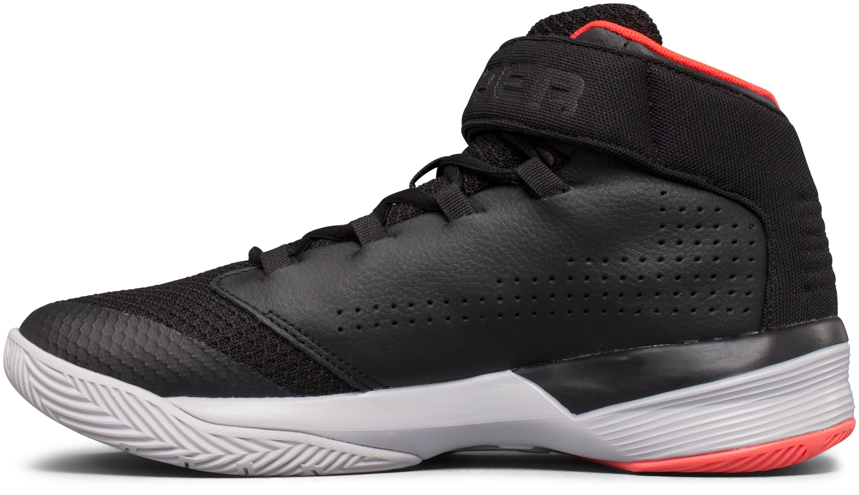 Boys' Grade School UA Get B Zee Basketball Shoes, Black ,