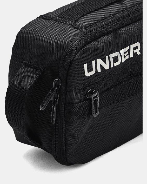 Unisex UA Contain Travel Kit, Black, pdpMainDesktop image number 2
