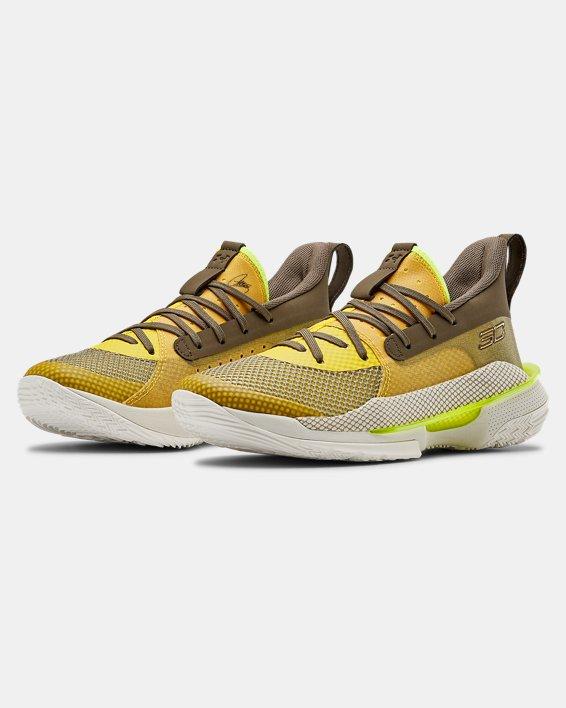 Kids' Grade School UA Curry 7 Basketball Shoes, Yellow, pdpMainDesktop image number 3