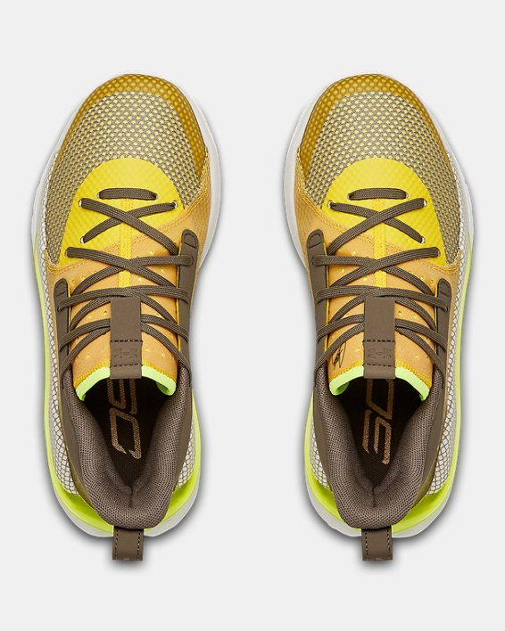 Kids' Grade School UA Curry 7 Basketball Shoes, Yellow, pdpMainDesktop image number 2