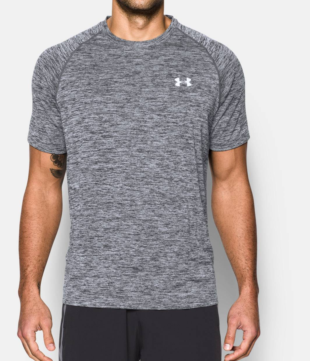 Aug 26,  · An Amazon brand - Great for layering or wearing alone, this smooth cotton T-shirt features a ribbed crewneck and short sleeves for everyday comfort. Goodthreads' collection of men's clothing crafted with care takes wear-everywhere apparel to the next level/5().