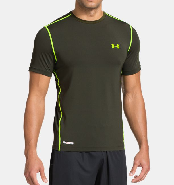 Men s heatgear sonic fitted short sleeve under armour us for Under armour fitted t shirt