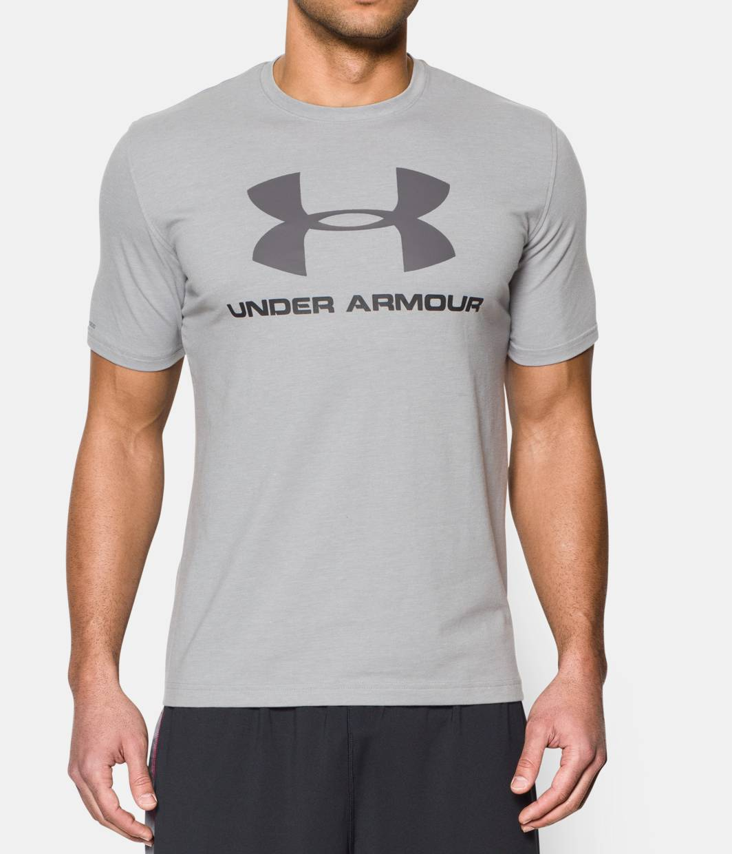 Men 39 s ua sportstyle logo t shirt under armour us for Under armour t shirts