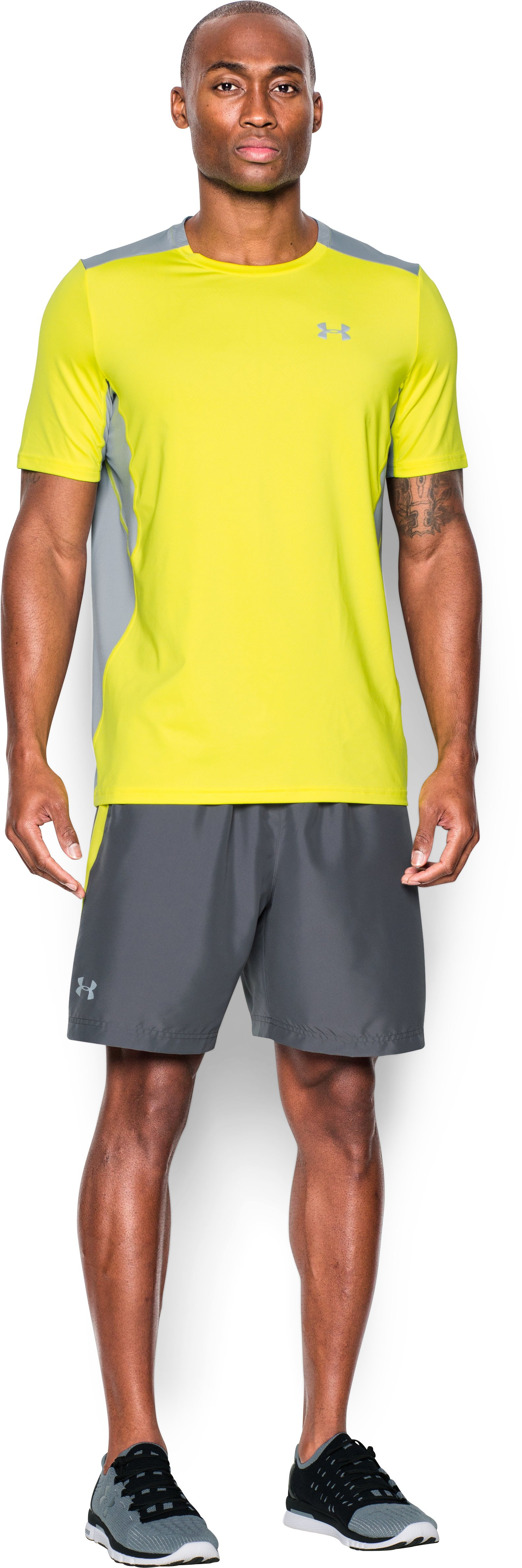 Men's UA CoolSwitch Run Short Sleeve, Flash Light, Front