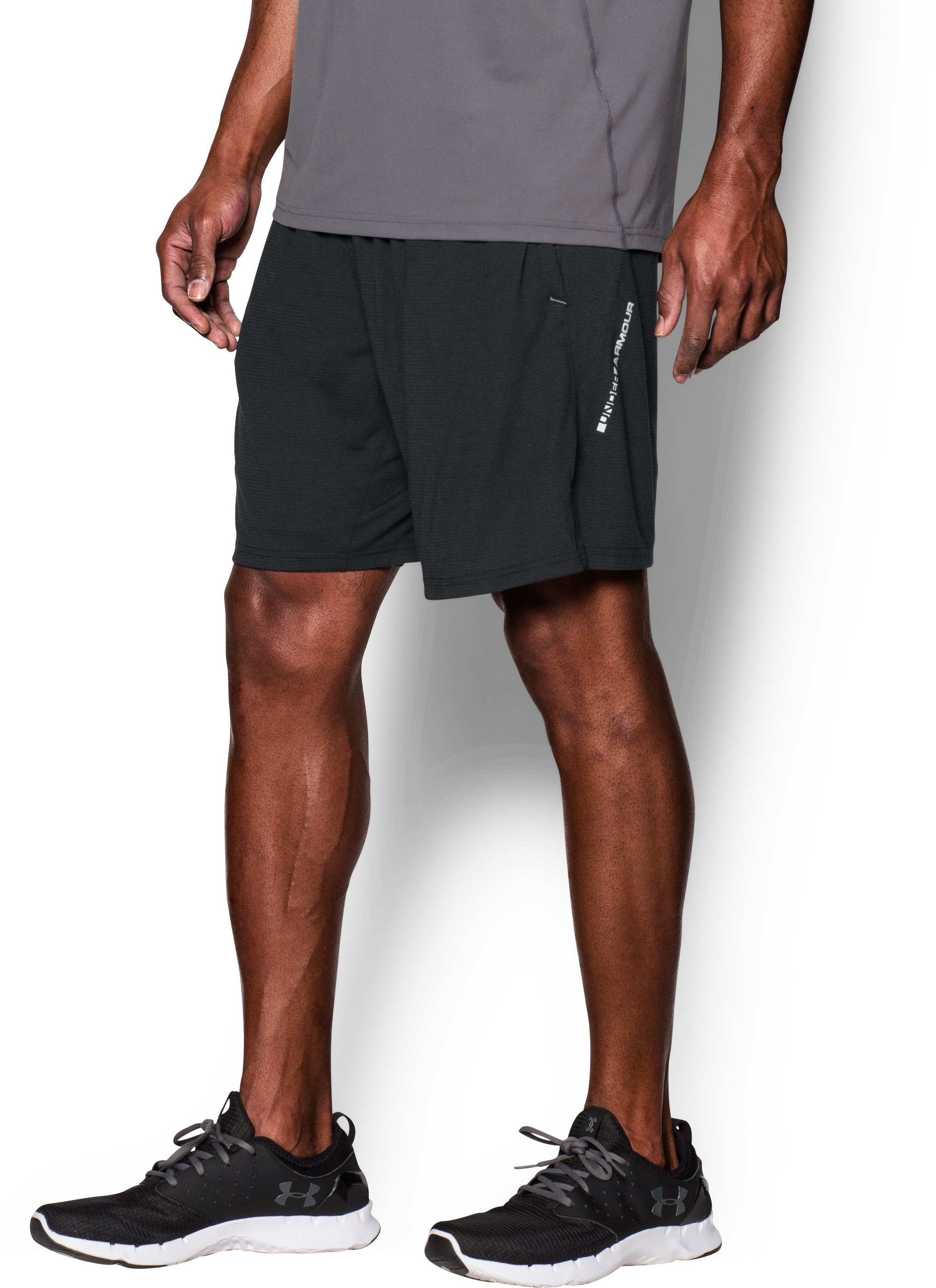 Men's UA Streaker Run Shorts, Black , zoomed image