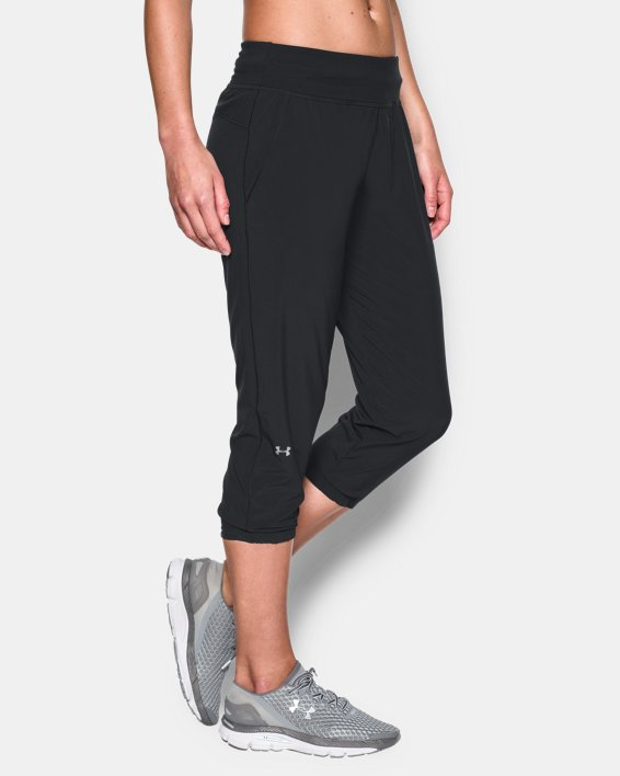 Women's UA Sunblock Crop, Black, pdpMainDesktop image number 2