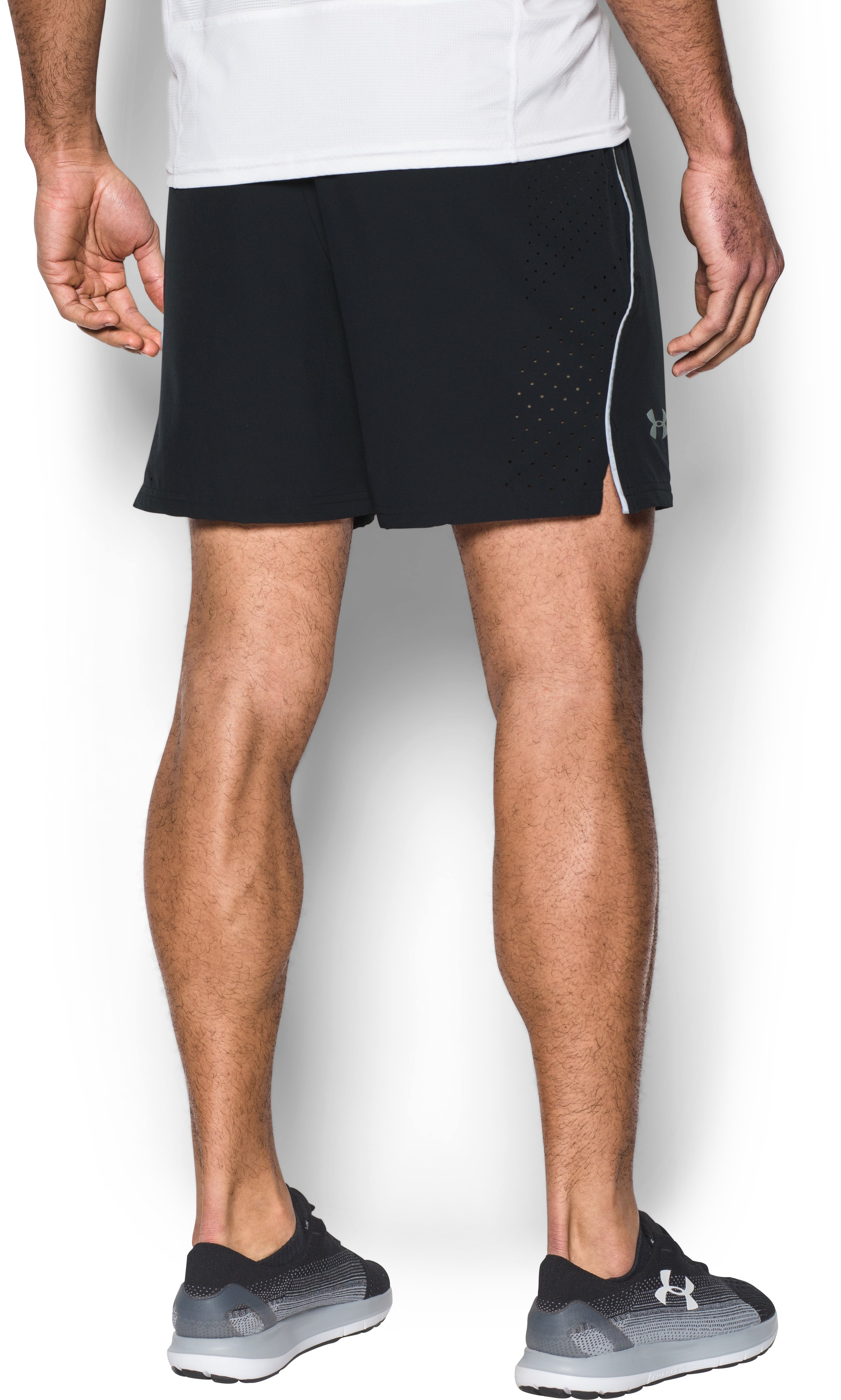 Men's UA CoolSwitch Run Shorts, Black , undefined