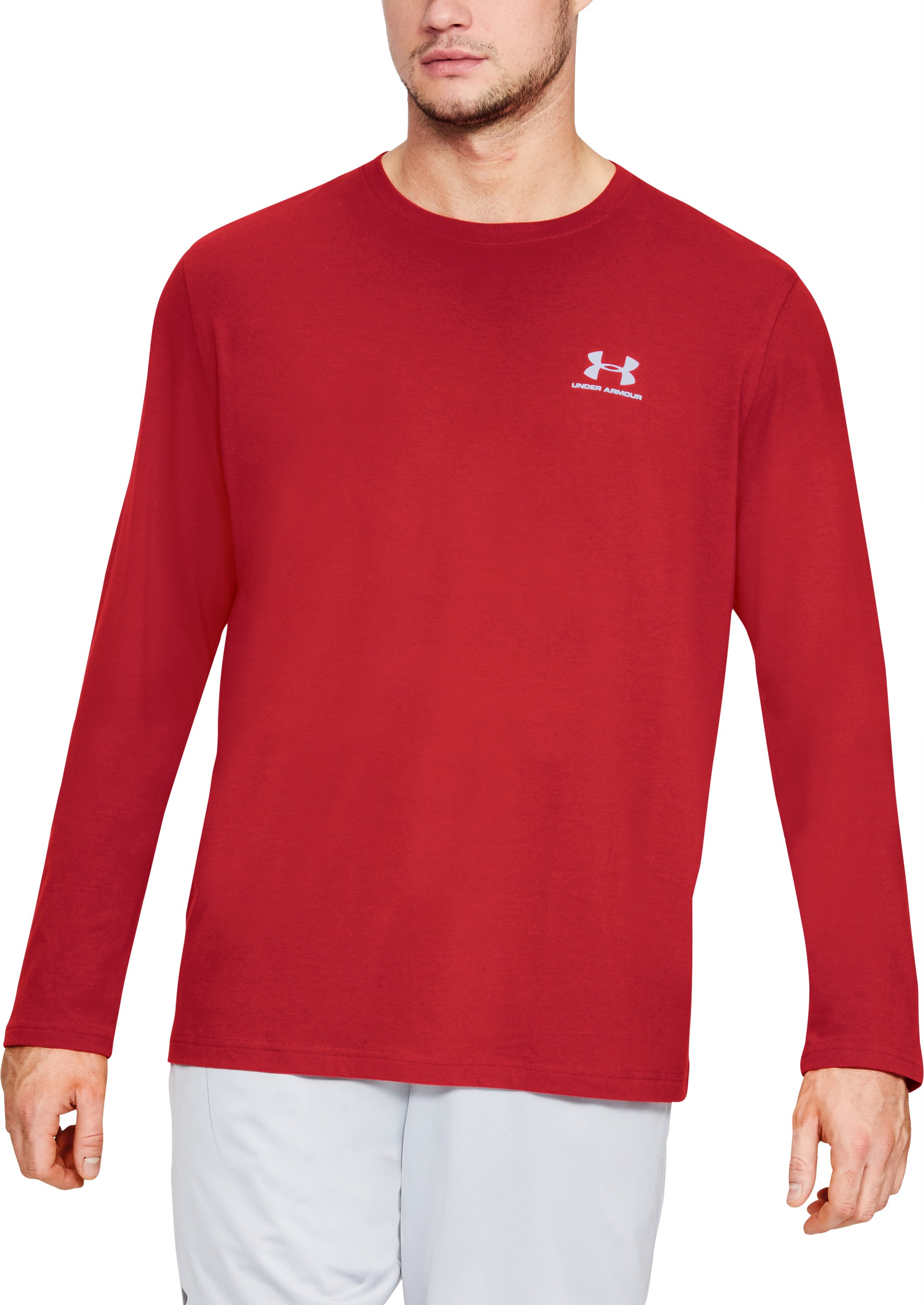 red long sleeve t-shirt Men's UA Chest Logo Long Sleeve T-Shirt  That being said, its a good shirt....Great fabric and comfy but too loose for me....The sneaker runs a bit small but one I got the right size it was a very comfortable fit.