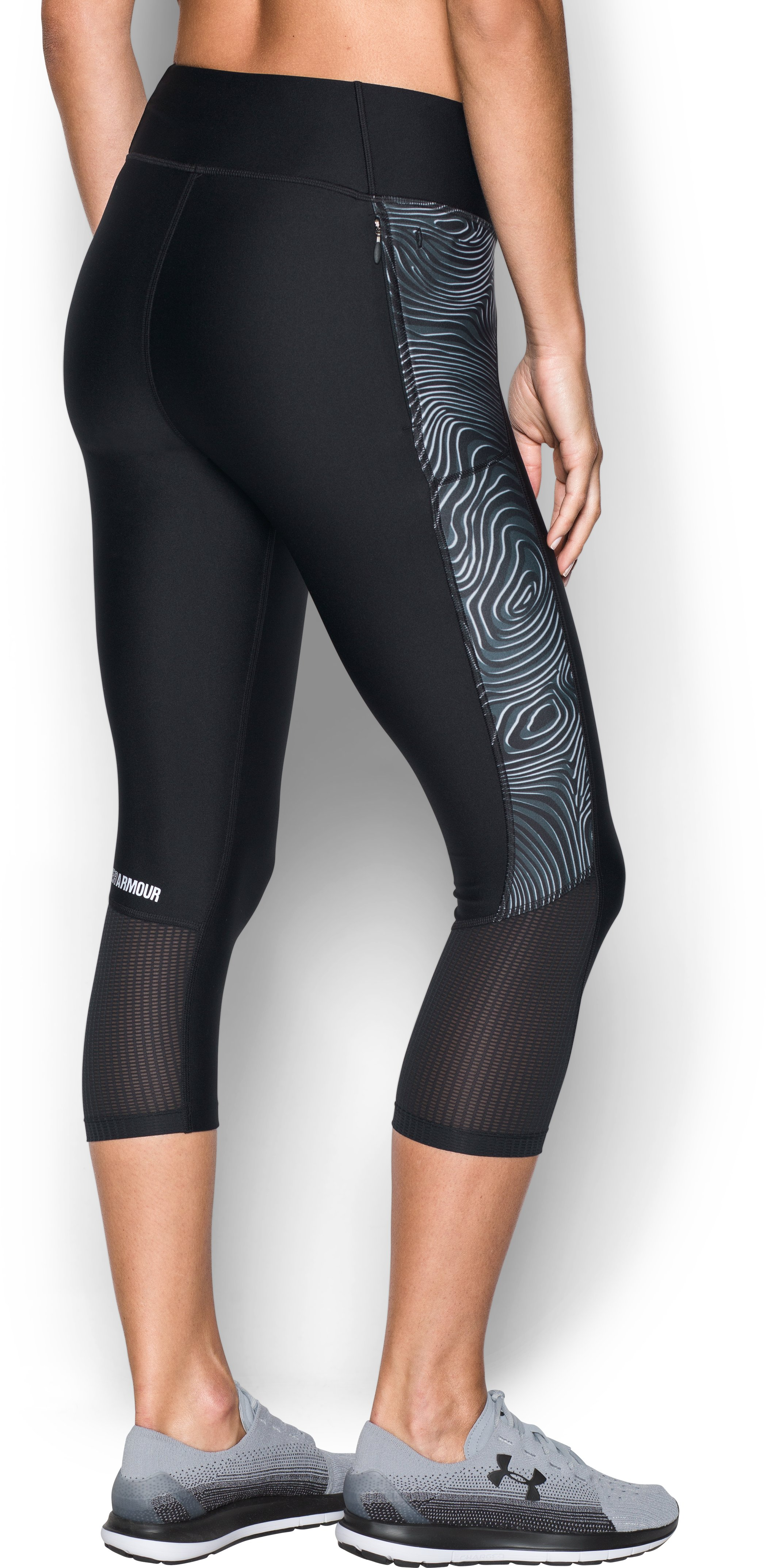 Women's UA Fly-By Printed Capri, Black