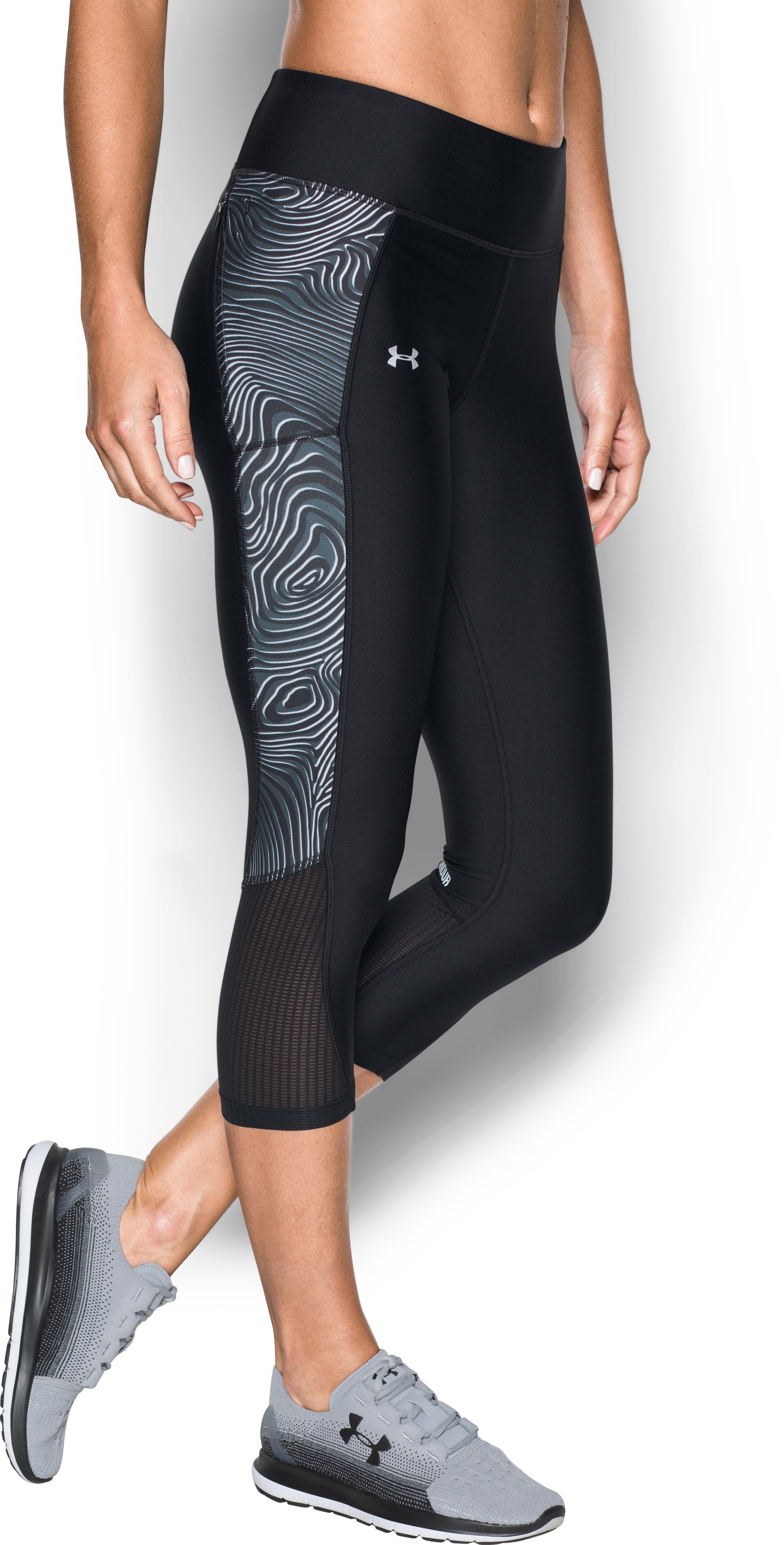 Women's UA Fly-By Printed Capri, Black , zoomed image