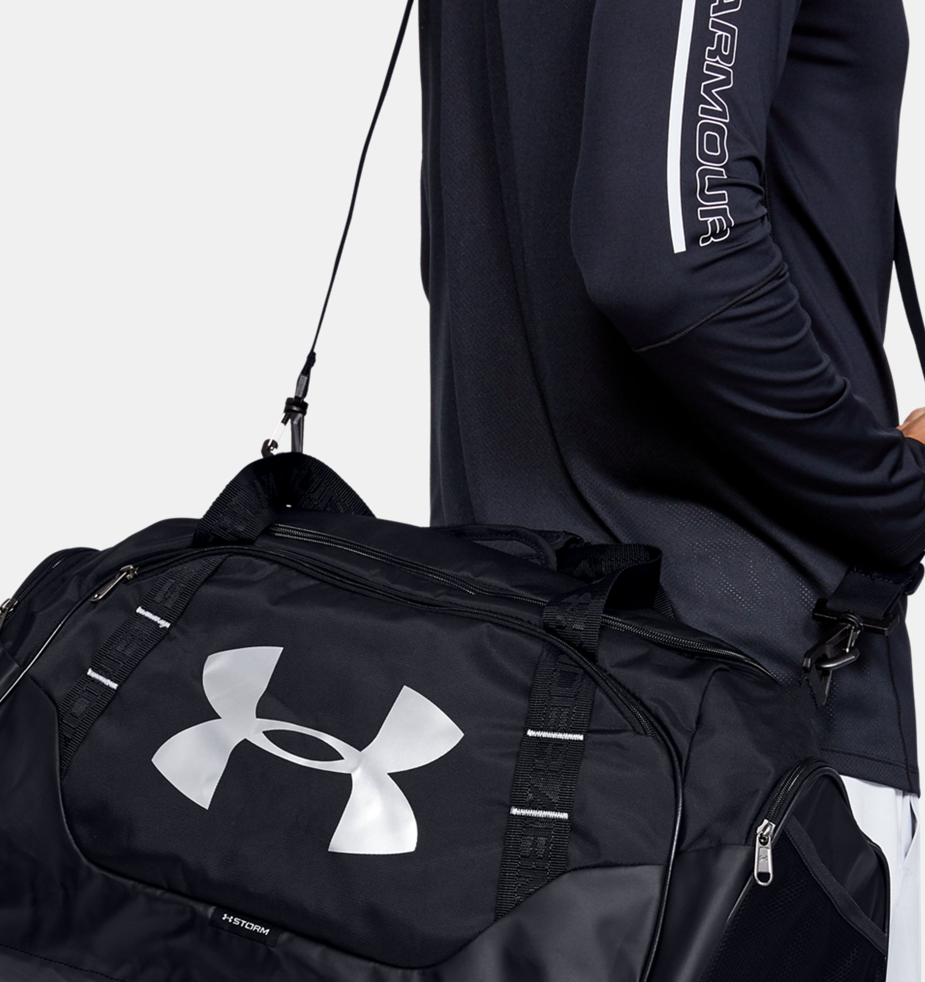 Men's UA Undeniable 3.0 Medium Duffle Bag, Black, pdpZoomDesktop image number 0