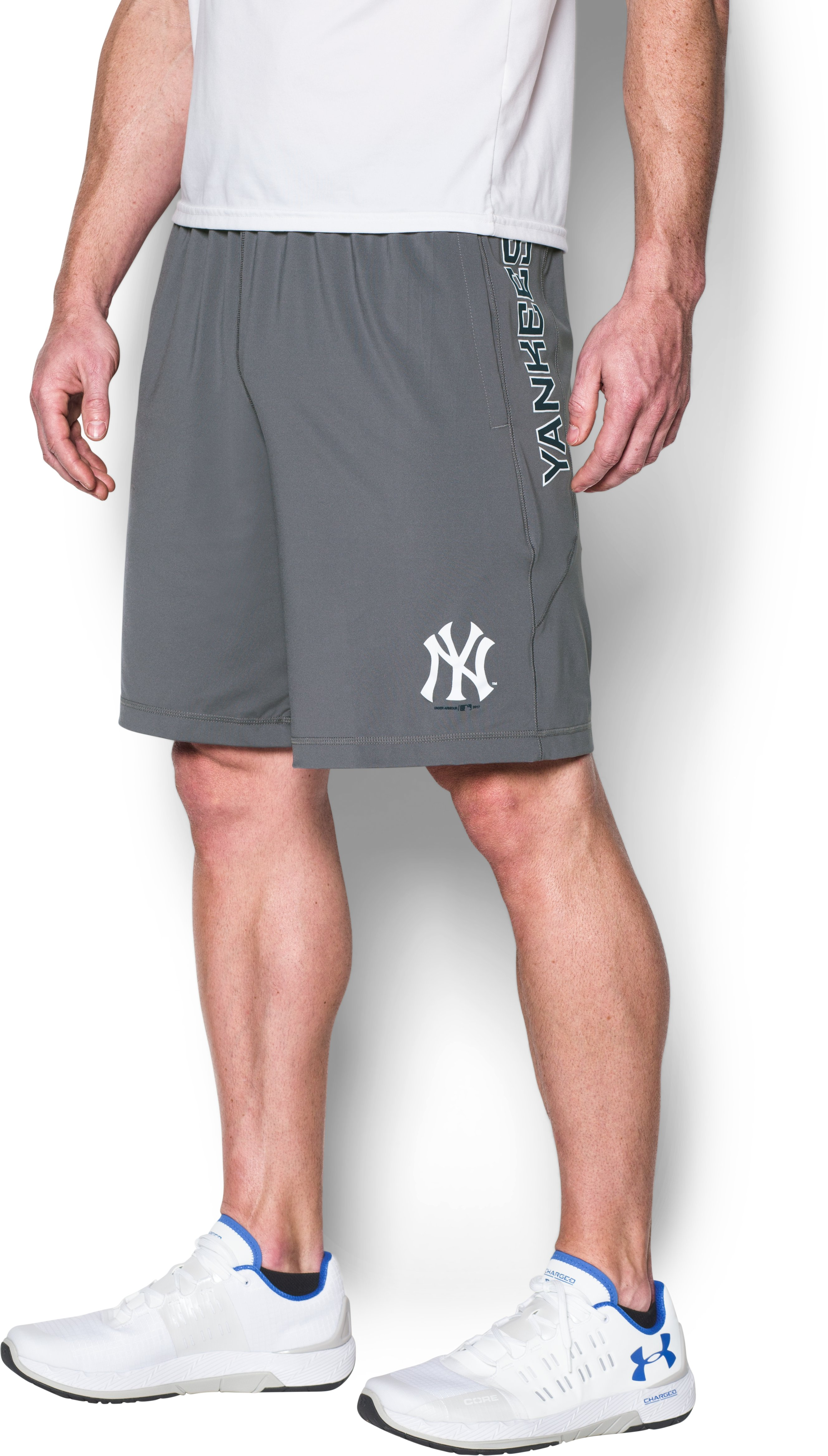 Men's New York Yankees UA Raid Shorts, Graphite, undefined