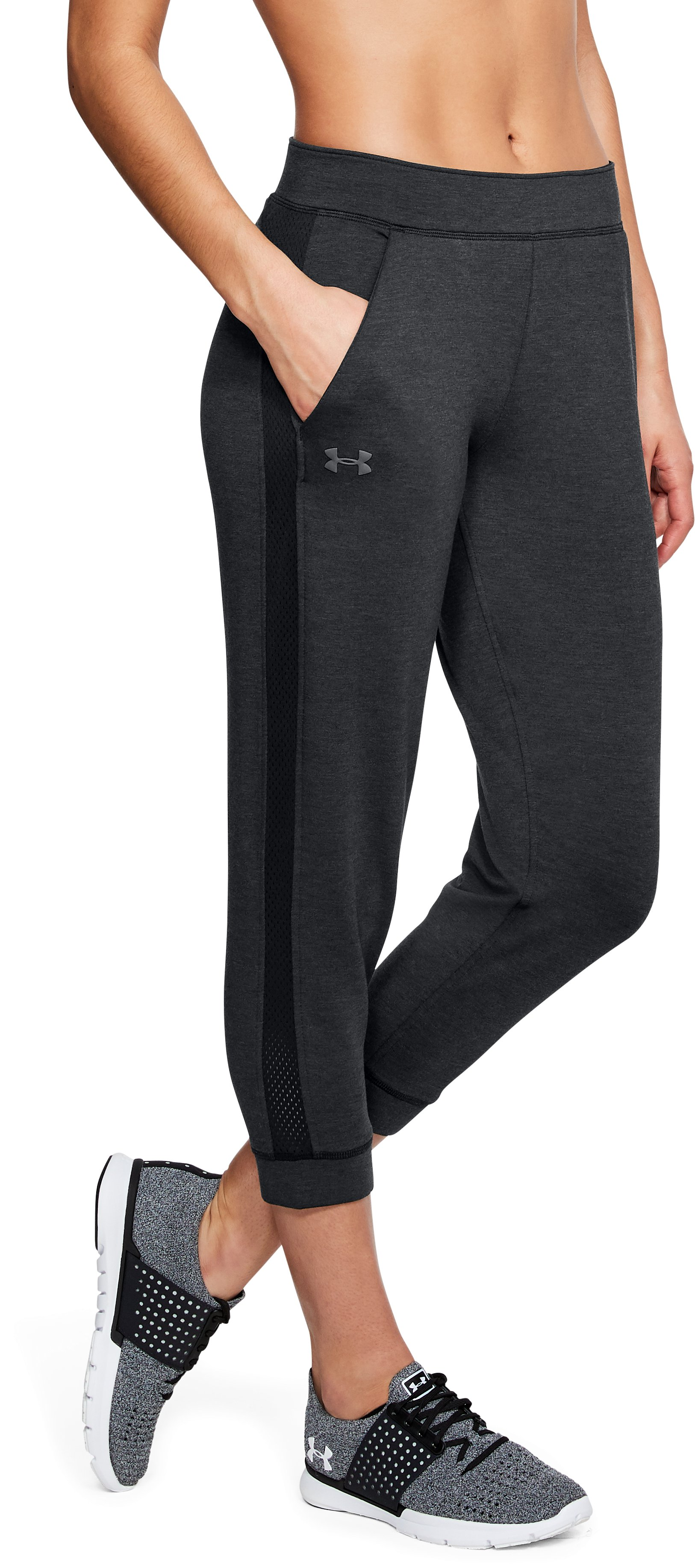 Women's UA Featherweight Fleece Crop, Black