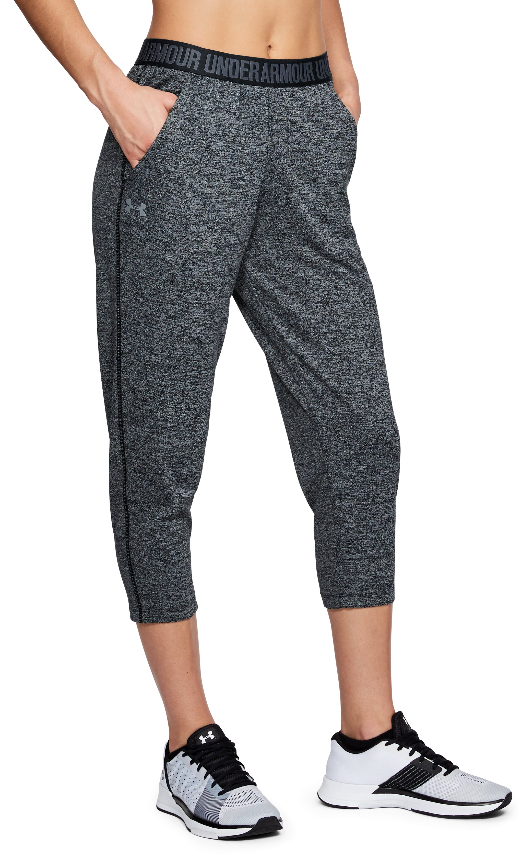 Women's UA Play Up Twist Capris, Black