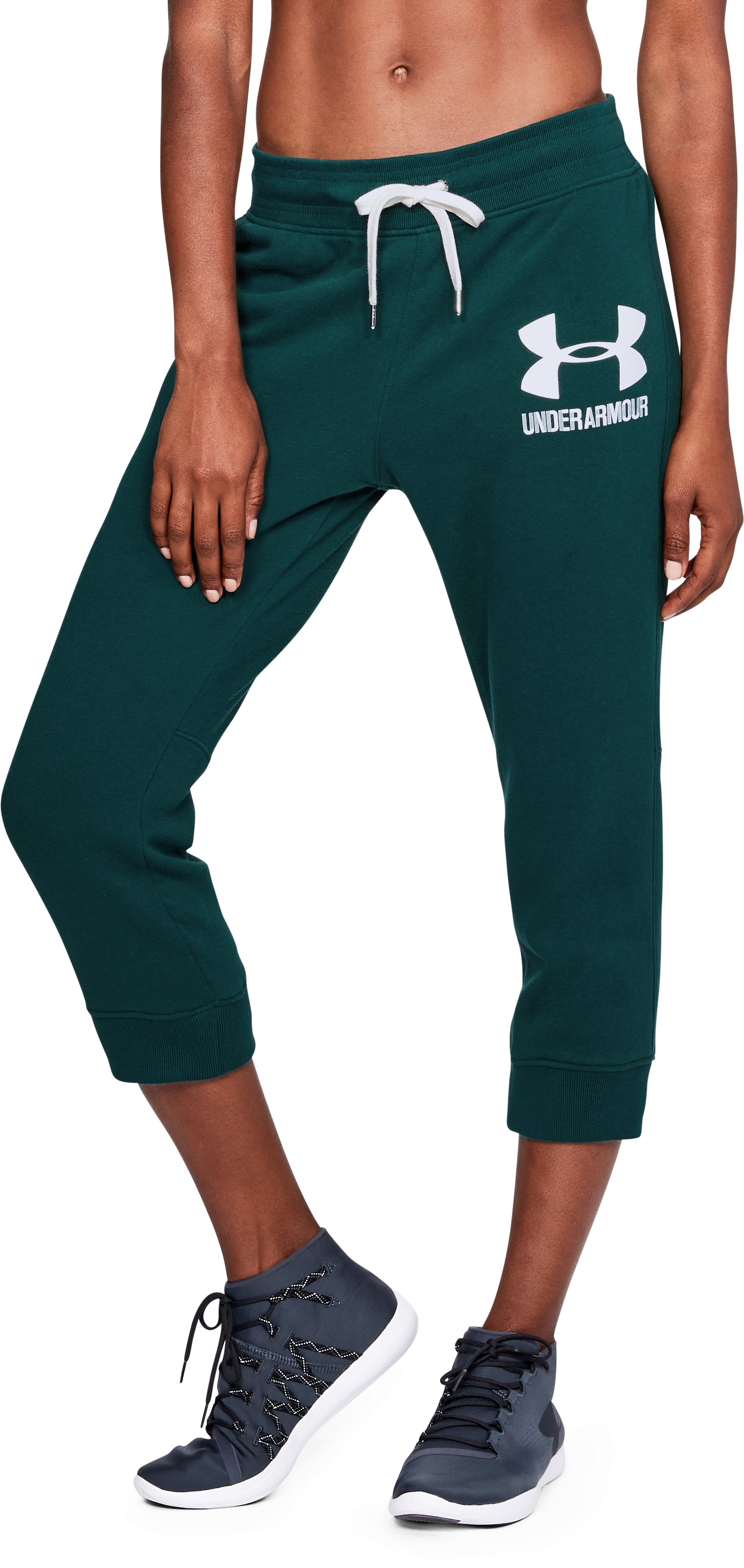 Women's UA Favorite Fleece Graphic Capris, ARDEN GREEN,