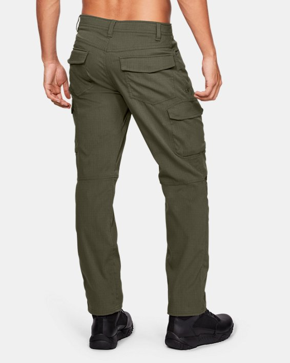 Men's UA Enduro Cargo Pants, Green, pdpMainDesktop image number 2