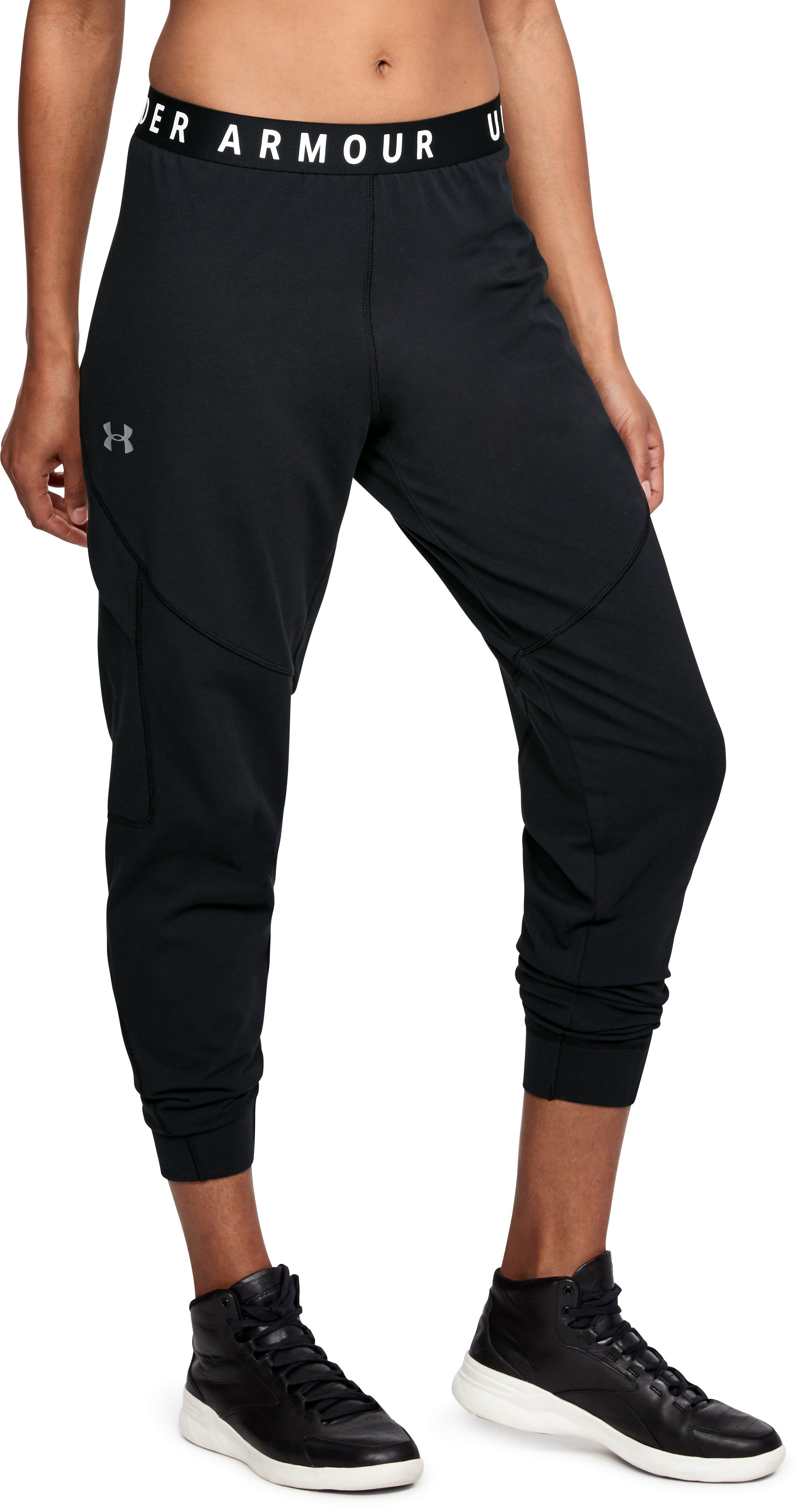 black cargo pants Women's UA Favorite Utility Cargo Pants They wear well (some pilling but that's pretty standard), wash well, and fit great....The style is neutral enough that I can wear it with a wide variety of things, but the extra-seaming and pockets add a nice extra touch.