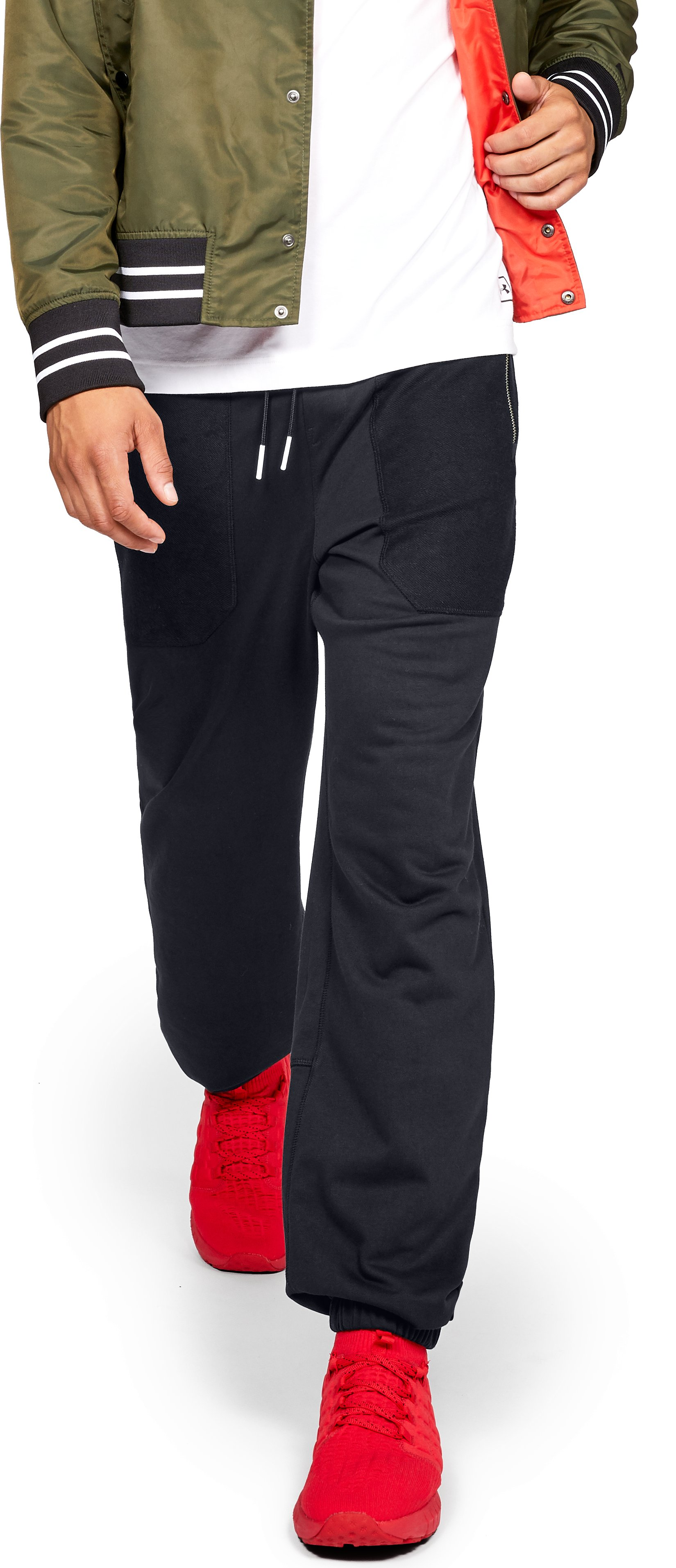 Men's UA Be Seen Sweatpants, Black , zoomed