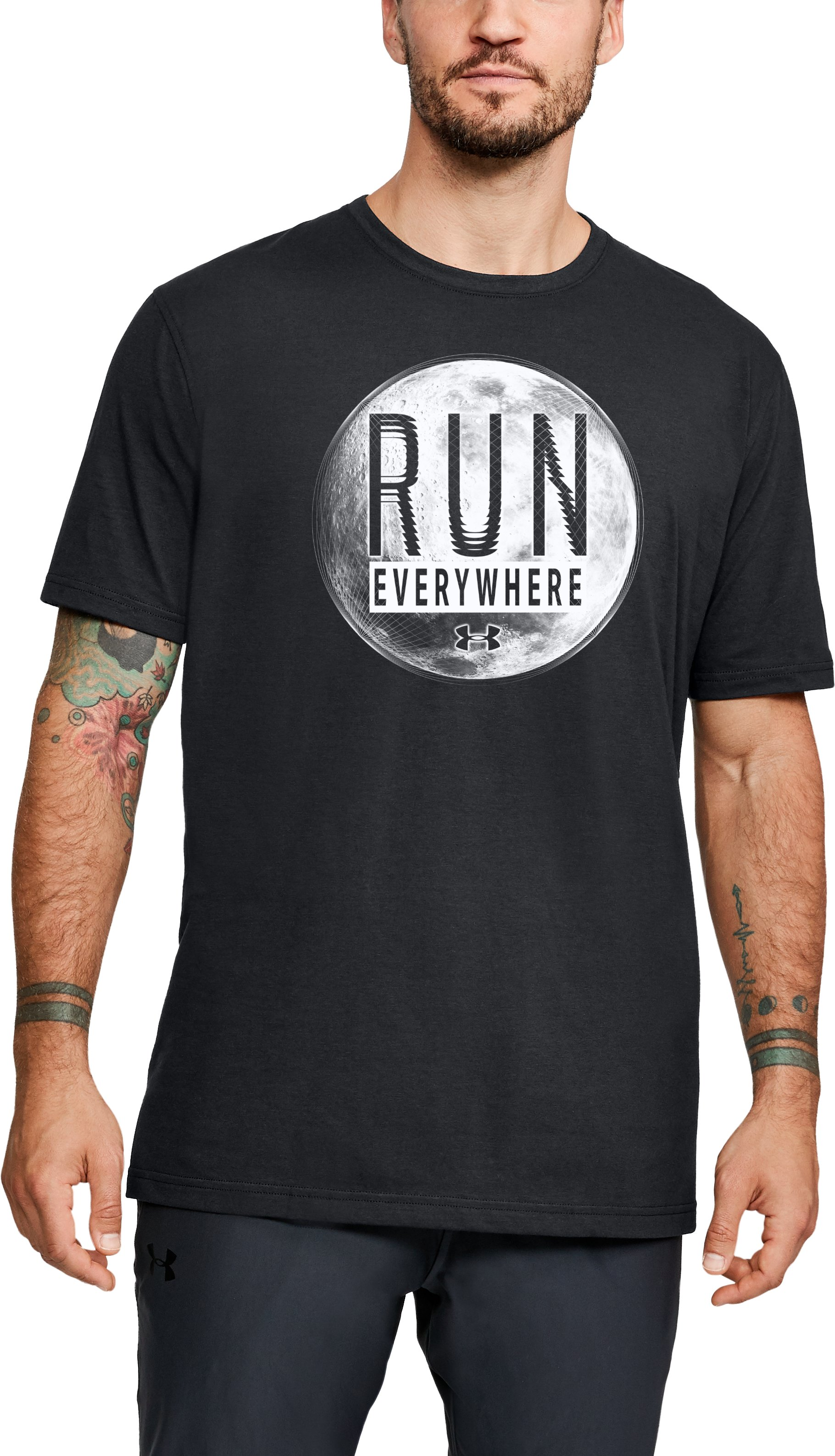 Men's UA Run Everywhere Short Sleeve, Black , zoomed