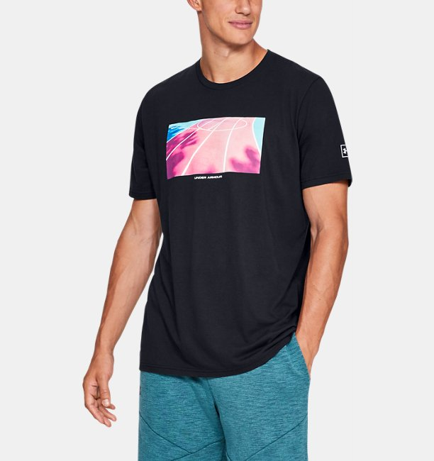 Mens UA Run Photoreal Split Hem Short Sleeve T-Shirt