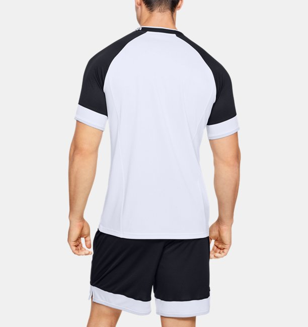 Mens UA Challenger III Training Short Sleeve