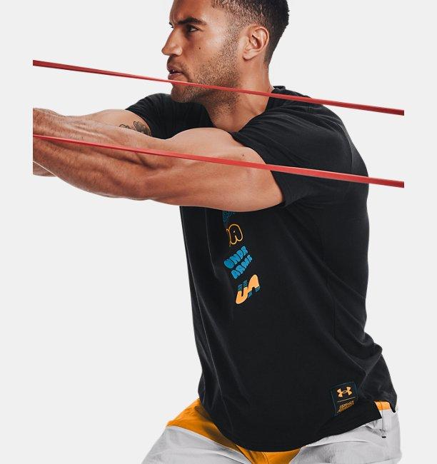 UAチャージドコットン ショートスリーブ マルチロゴ スクリブル(トレーニング/MEN)